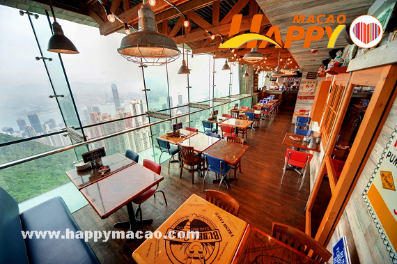 06_-_Day_view_of_Shrimp_Shack
