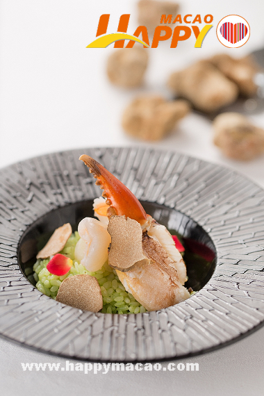 Man_Hing-Braised_rice_with_fresh_crab_claw_and_white_truffle