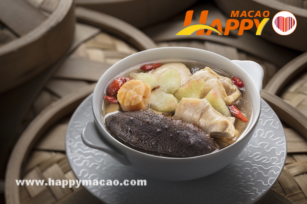 fc20170524macau658354-merged_-_Fathers_day_soup_-__Double-boiled_Snow_Goose_with_Sea_Cucumber_and_Star_Fruit