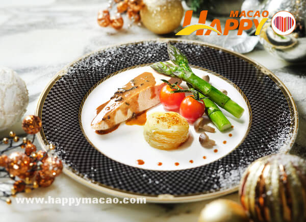 DSCF9003c_-_RC_Cafe_-_Christmas_Promotion_2018_-_NYE_Menu_-_Poached_Breast_Chicken_asparagus_potato_gratin_girolle_sauce_1
