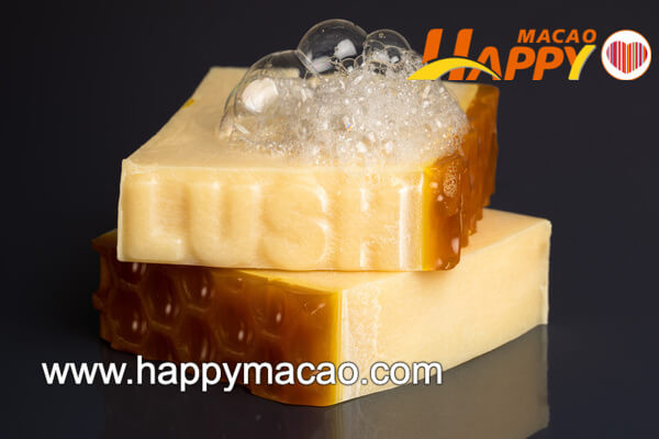 Lush_Honey_I_Washed_the_Kids_Soap_hero_shot_1_1_1_1