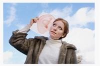 聽力下降者應盡早佩戴助聽器