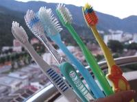 牙刷舊了還可以怎樣?