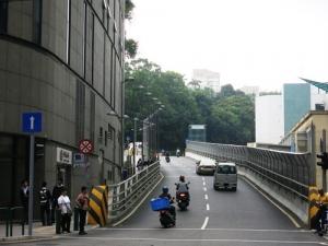 賽車期間實施交通管制