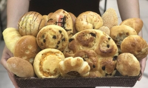教青局麵包製作班