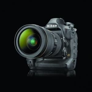 Nikon D6高速追焦 每秒十四張