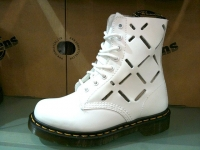 Dr. Martens 新靴款