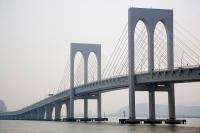 西灣大橋8月中旬試行電單車專道