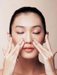 面部按摩,助皮膚吸收