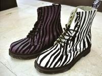 潮紋馬丁鞋盡顯秋冬感
